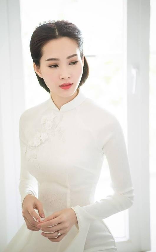 Trang phuc dinh hon cua sao Viet: Nguoi truyen thong, nguoi pha cach tre trung