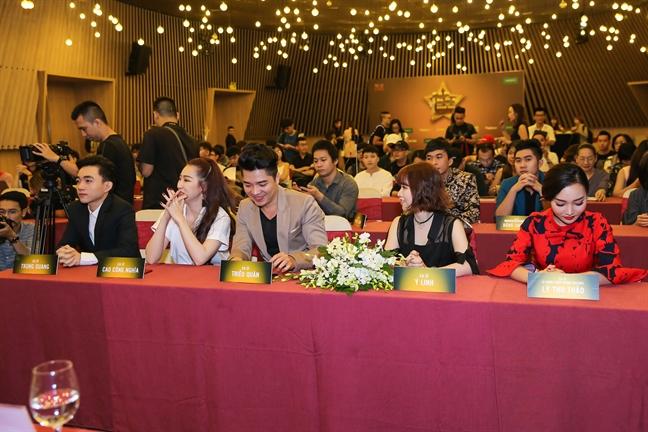 Giang Hong Ngoc: 'Toi kiem duoc nhieu tien hon tu khi chuyen sang hat bolero'