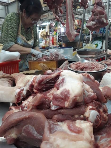 Lò mổ Xuyên Á tạm ngưng hoạt động, giá thịt heo thất thường