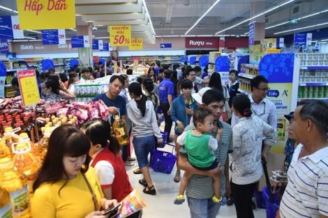 Co.opmart Huỳnh Tấn Phát khuyến mãi lớn nên hút khách