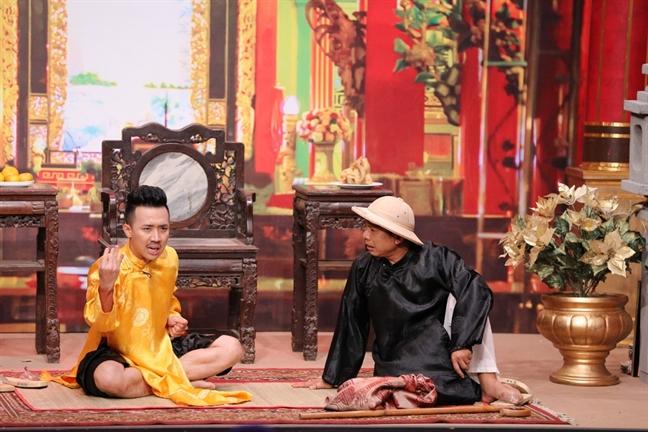 Nghe si Trung Dan tro lai gameshow, lieu co 'cham tran' Tran Thanh?