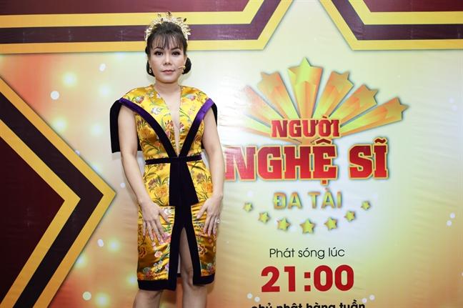 Viet Huong trich 1/4 cat-se de dau tu trang phuc lam giam khao