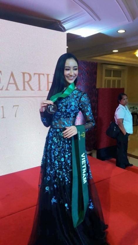Á hậu Hà Thu đã có thành tích đầu tiên tại 'Hoa hậu Trái đất 2017'