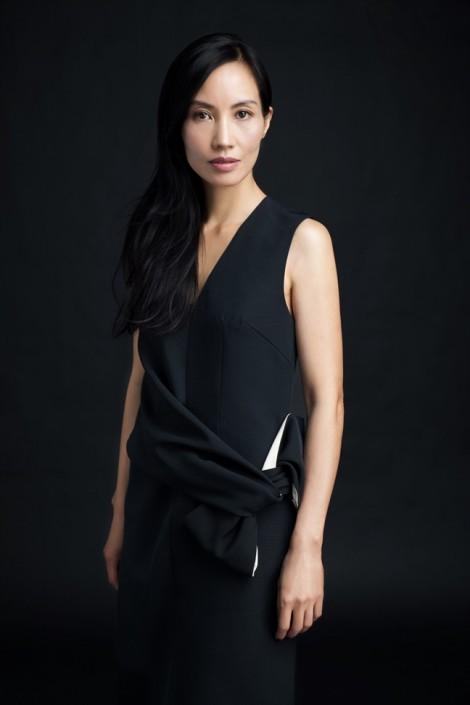 Vợ Trần Anh Hùng đưa tác phẩm sơn mài lên sàn đấu giá quốc tế