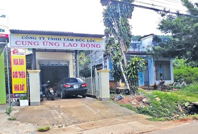 Vach mat duong day lua dua nguoi di lao dong kho sai: Tron khoi 'dia nguc'