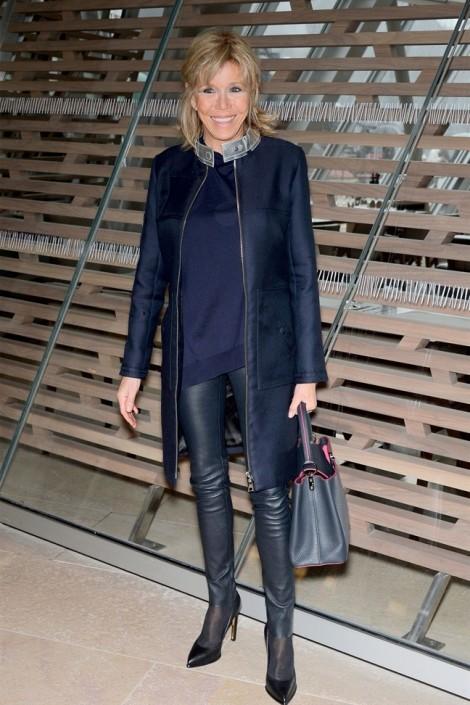 Gu thời trang giúp trẻ hơn 20 tuổi của phu nhân Tổng thống Pháp