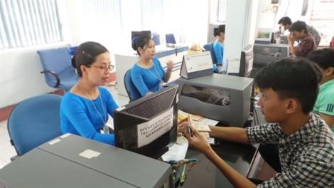 Ngày đầu bán vé tàu tết 2018: Mạng thông nhưng khó mua vé chặng ngắn