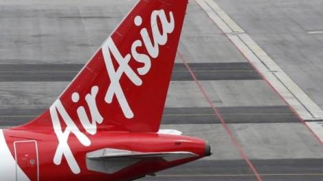 Máy bay bất ngờ giảm độ cao, hành khách hoảng loạn 'tạm biệt nhau'