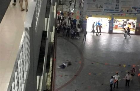 Làm rõ cái chết bất thường của nam sinh viên giữa sân trường đại học Hutech