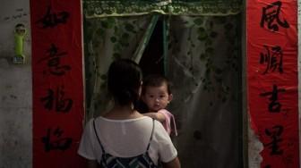 Nhức nhối bệnh trầm cảm sau sinh, nhìn từ vụ mẹ ôm con nhảy từ tầng 24