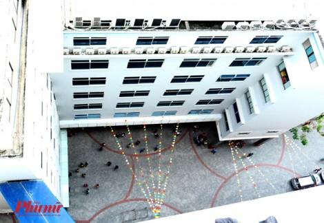Nam sinh viên tử vong trong đại học Hutech: Do... mưa nhiều?