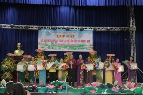 Huyện Củ Chi: 20 cá nhân nhận kỷ niệm chương 'Vì sự phát triển của phụ nữ Việt Nam'