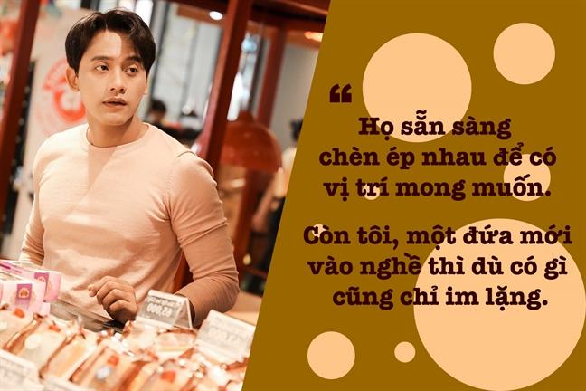 Mai Tai Phen: 5 lan bi tu choi vai dien, thuong xuyen dien ma khong co cat-se