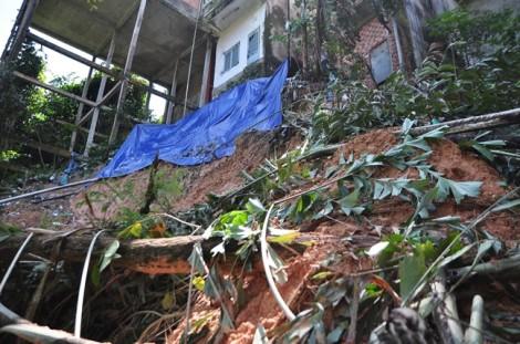 Dân bất an vì sợ sập nhà, chính quyền vẫn chờ... làm theo thủ tục