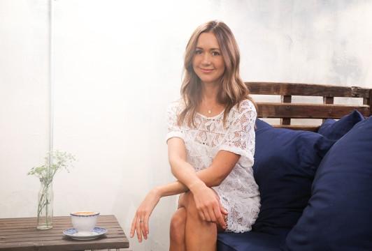 Cach chon trang phuc don gian van 'chat lu' cua nu blogger Camille