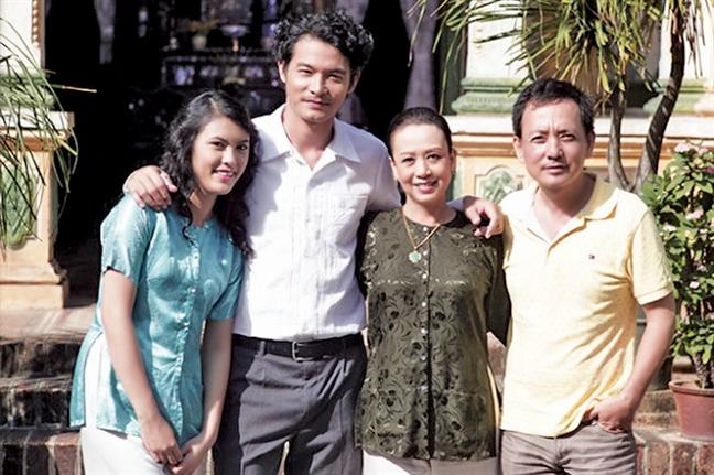 Nghe si Minh Phuong: Nhe nhang hon khi buong bo