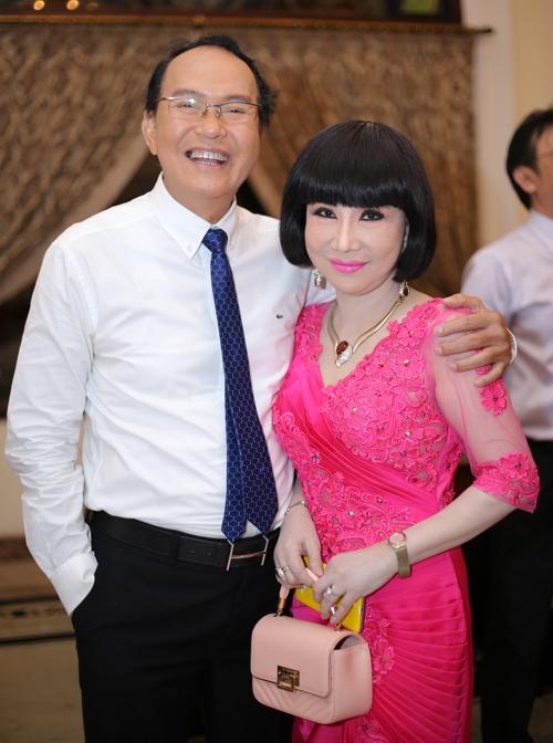 NSUT Thanh Kim Hue: 'Co nhung luc bi vui dap den muc toi muon bo nghe'