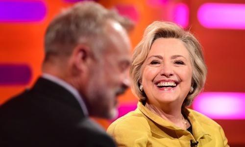Hillary Clinton muon chuong trinh hai huoc cua Anh de che Donald Trump?