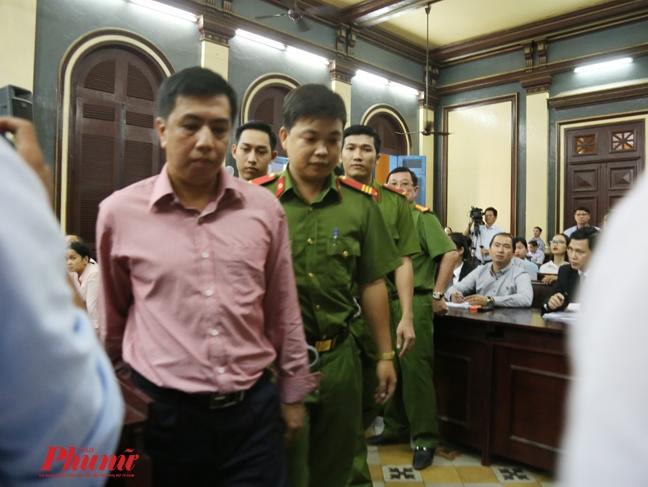 Vu VN Pharma: Bo Cong an doc lenh bat Nguyen Minh Hung va Vo Manh Cuong ngay tai toa