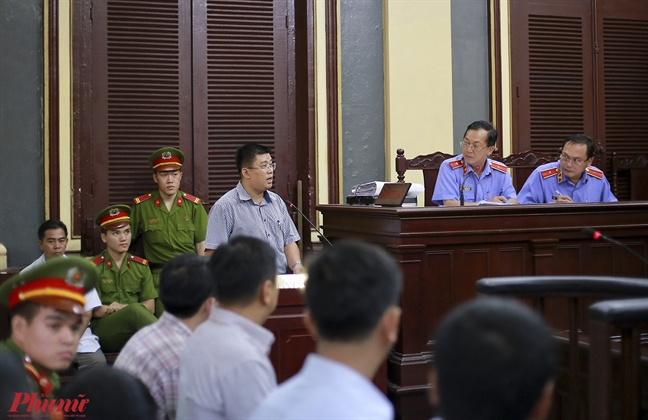 Vu VN Pharma: Thu truong Bo Y te Truong Quoc Cuong vang mat khong ly do vi... khong nhan duoc thu moi
