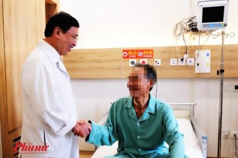 Ông cụ 86 tuổi lánh mặt cơn đột tử bằng cách thay van tim qua da