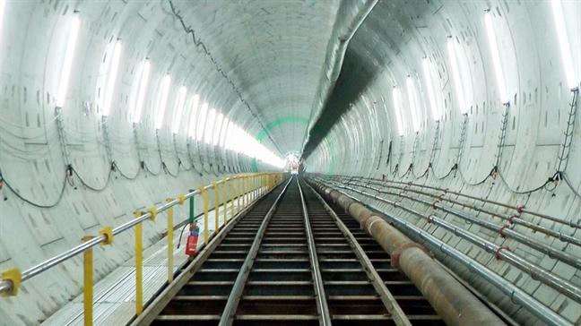 Toan canh tuyen metro dau tien o Sai Gon sau hon 5 nam thi cong