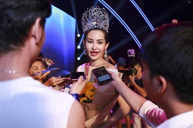 Hoa hau Dai duong 2017 Ngan Anh: 'Truoc kia toi co sua mui'