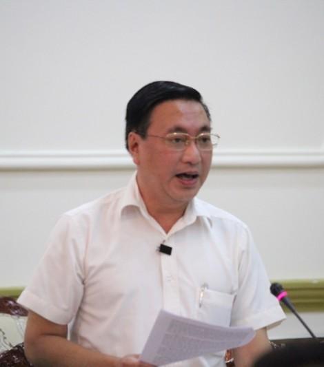 Chủ tịch TP.HCM đề nghị kiểm tra cửa hàng Khaisilk sau vụ bán khăn lụa Trung Quốc