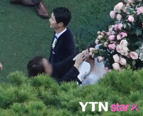 Toàn cảnh lễ cưới của Song Joong Ki – Song Hye Kyo