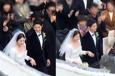 Bố mẹ Song Joong Ki khóc trong ngày vui của con trai