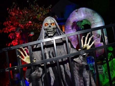 Halloween: Zombie và bí ngô đầy đường, nhện đen 'tấn công' Nhà Trắng