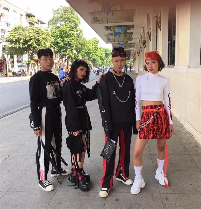 Nhung bo canh tham hoa gioi tre Ha thanh tai Tuan le thoi trang Viet Nam 2017