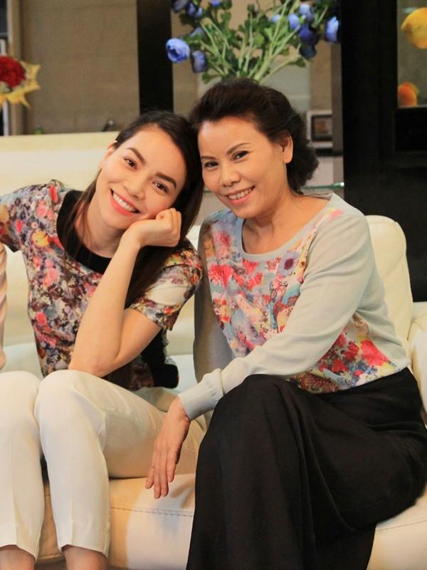 Phuong My Chi xem Ho Ngoc Ha la tam guong de vuot qua thi phi trong showbiz