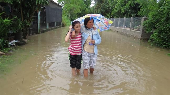 Phu Yen: Nuoc lu dang cao, 11 xa bi co lap