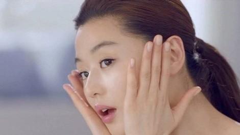 Bật mí quy trình dưỡng da chuẩn hóa 10 thao tác của phái đẹp Hàn