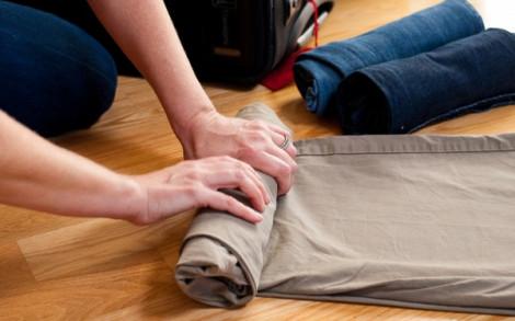 Cách gấp quần áo nhanh, tiết kiệm diện tích