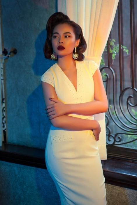 Sau 11 năm đi hát, gu thời trang Giang Hồng Ngọc thay đổi ra sao?