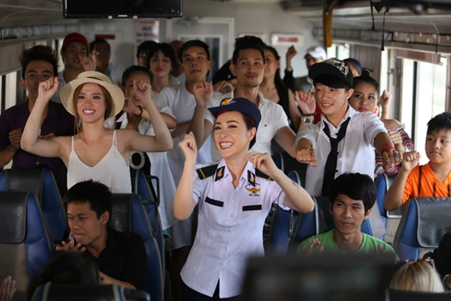 Uyen Linh tro lai sau 3 nam, khong con Dung Dalat ben canh