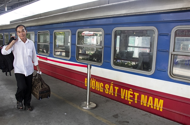 Bao so 12 tan pha Nam Trung Bo: Nhieu nguoi chet va mat tich