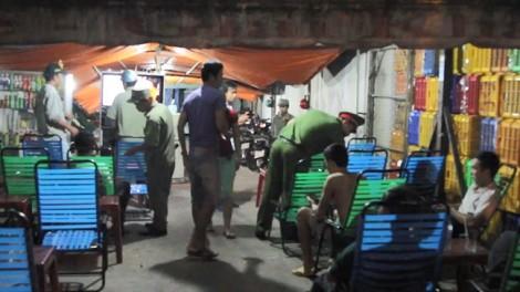 Công an đột kích quán cà phê, nhà nghỉ tại chợ nông sản Thủ Đức