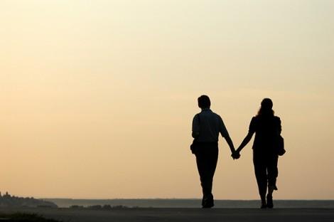 12 tuổi cách biệt, yêu người đàn bà cũ đã khó mà quên nàng còn khó hơn