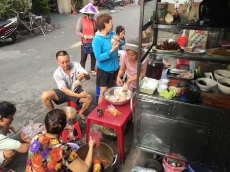 Làm từ thiện kiểu người Sài Gòn