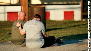 Vu xa sung Texas: Nhung phut lanh tim khi ke sat nhan sat hai 4% cu dan thi tran