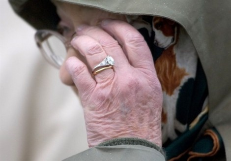 Bí mật cảm động đằng sau chiếc nhẫn đính hôn của Nữ hoàng Elizabeth
