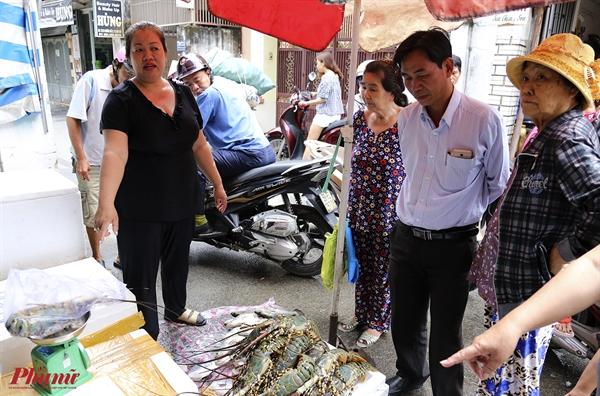 Lo nang vi bao, dan mien Trung chuyen tom, ca vao TP.HCM ban re