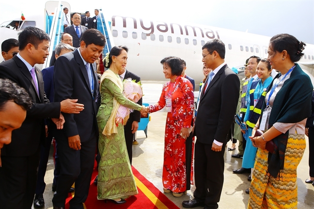 Lanh dao cac nuoc lien tuc den Da Nang du APEC 2017