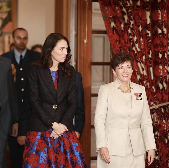 Thoi trang tre trung o tuoi 37 cua nu Thu tuong New Zealand du APEC 2017