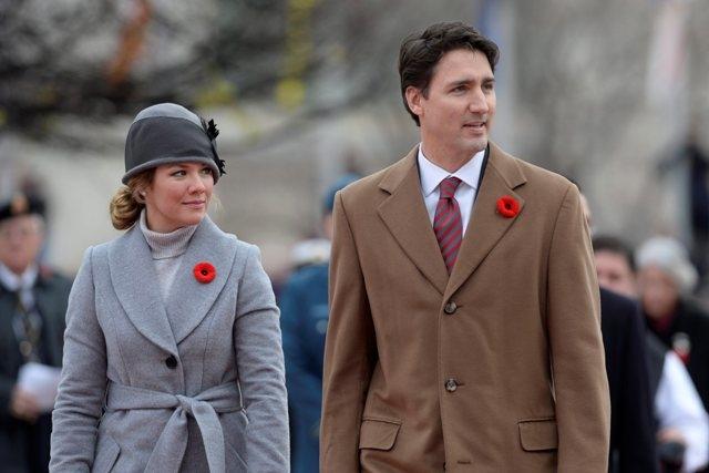 Thoi trang don gian, dep 'ngat ngay' cua vo chong Thu tuong Canada Justin Trudeau
