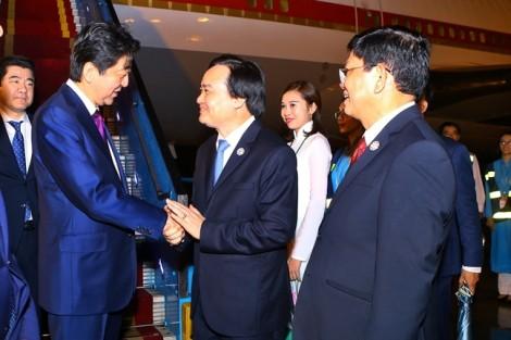 Nhiều đoàn lãnh đạo cấp cao các nước tiếp tục đến Đà Nẵng