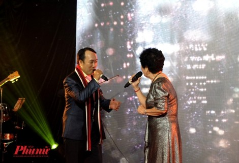 Bác sĩ Sài Gòn hát ủng hộ miền Trung bão lũ